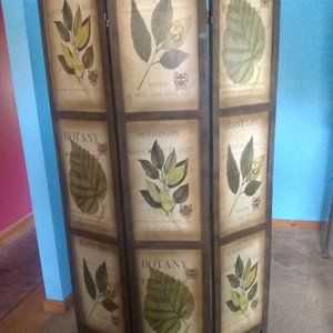 Oriental Botanic Wood Screen